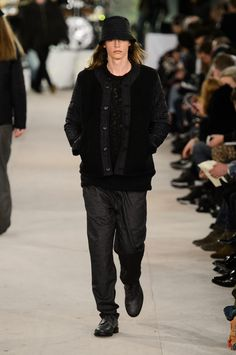 YMC went the way of the musician for its fall-winter 2016 men's collection. Presented during London Collections: Men, the brand celebrated its 20 year anniversary with a stylish nod to 1960s British folk music with a bohemian flair. Dressed in dark hues, the range came with its fair share of ponchos, patched ripped jeans, leather …