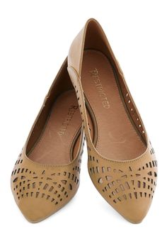 Al Fresco Adventure Flat in Sand. The air is warm and the sun is shining, so why not slip into these beige pointed flats from Restricted and head outside for an afternoon jaunt? #tan #modcloth