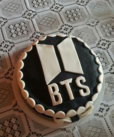 7 Best Bts Cake Images Bts Cake Fiestas Bts Birthdays