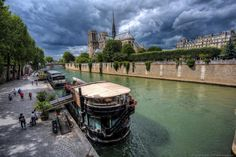 10 more reasons to visit Paris!  http://www.findingtheuniverse.com/2014/07/10-reasons-to-visit-paris-in-photos.html… @lozula #Paris #France @ParisOTC @FranceTourismUS