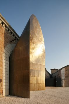 De Castelli works with architects to realise their visions in metal, such as Cino Zucchi's sculptural entrance to the Italian Pavilion at the Architecture Design, Baroque Architecture, Facade Design, Pavilion Architecture, Property Buyers, Urban Loft, Urban Industrial, Layout, Interior Design Tips