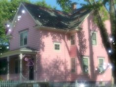 Image discovered by sunny. Find images and videos about pink, aesthetic and house on We Heart It - the app to get lost in what you love. Angel Aesthetic, Aesthetic Photo, Pink Aesthetic, Aesthetic Pictures, Different Aesthetics, Cottage, Pink Houses, Looks Cool, Future House