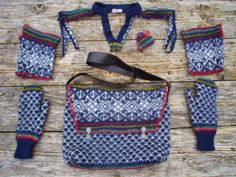 I have so many sweaters that this is looking like an option for a couple...