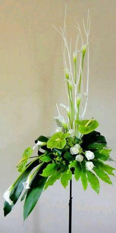 white modern arrangements with calla lily and anthurium lily Contemporary Flower Arrangements, Tropical Floral Arrangements, Large Flower Arrangements, Altar Flowers, Church Flowers, Funeral Flowers, Flowers Garden, Wedding Flowers, Ikebana