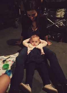 BTS of The Originals with Phoebe Tonkin and her onscreen daughter
