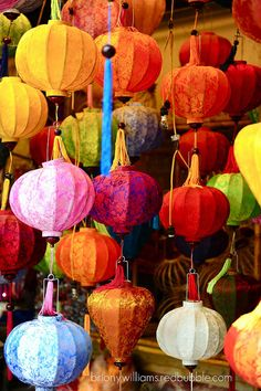 Oriental colour explosion #colour #photography World Of Color, Color Of Life, Decoration Inspiration, Color Inspiration, Chinoiserie, Home And Deco, Over The Rainbow, Paper Lanterns, Colored Paper