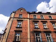 #Bytom, ul. Katowicka 43 #townhouse #kamienice #slkamienice #silesia #śląsk #properties #investing #nieruchomości #mieszkania #flat #sprzedaz #wynajem Multi Story Building