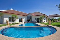 HUA 01: Pool Villa in Huay Yai http://pattaya.superholidayvillas.com/estate/3-bedroom-great-pool-villa-holiday-in-pattaya-hua01/