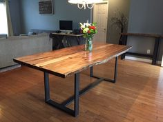 Live Edge Dining Table for your dining room inspiration. In this article also you can make DIY Live Edge Dining Table reduce your cost. Dining Table With Bench, Dinning Room Tables, Dining Room Sets, Dining Room Design, Maple Kitchen, Live Edge Furniture, Live Edge Table, Live Edge Console Table, Dining Room Inspiration