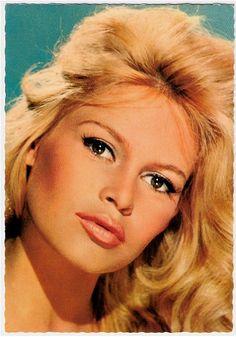 I love this makeup on Bardot.
