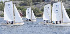 Levende kystkultur: Færdersnekker under seil. FS 9, nummer to fra venstre, er kåret til Norges best restaurerte og vedlikeholdte åpne trebåt. begge foto: Terje wilhelmsen