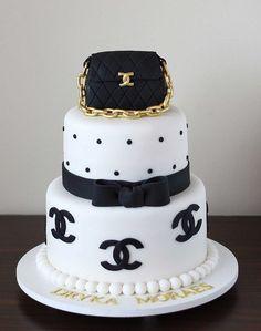The Cookie Shop - Bolos Decorados Mais Chanel Birthday Cake, 14th Birthday Cakes, Beautiful Birthday Cakes, Beautiful Cakes, Sweet Cakes, Cute Cakes, Bolo Channel, Fondant Cakes, Cupcake Cakes
