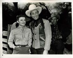 I have always wished that I could look like Mary Lee. She was always so fun and cute Dale Evans, Mary Lee, Roy Rogers, Classic Actresses, Happy Trails, Cowboy Hats, Bob, Gems, My Love
