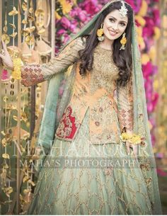 Latest Collection of Pakistani Bridal Dresses 2019 Pakistani Mehndi Dress, Pakistani Fashion Party Wear, Bridal Mehndi Dresses, Pakistani Formal Dresses, Pakistani Wedding Outfits, Bridal Dress Design, Pakistani Dress Design, Pakistani Wedding Dresses, Bridal Outfits