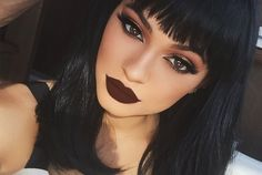 How Kylie Jenner Is Bringing Back Your Mom's 90s Lipstick