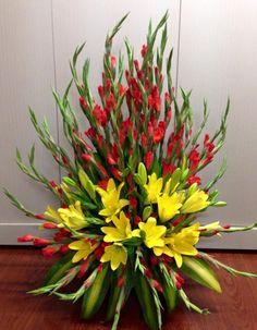Resultado de imagem para traditional triangular floral design