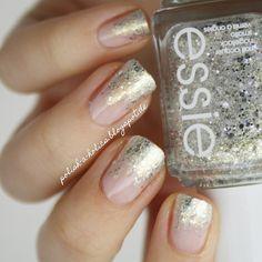 http://polish-a-holics.blogspot.de/2015/01/appetizer-hors-doeuvres.html #essie #horsdoeuvres #glitter #gradient #elegant #manicure #sophisticated