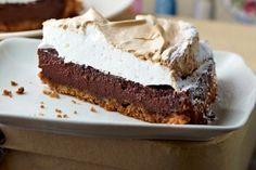 Das Rezept für Chocolate-Cheesecake mit Marshmallow-Haube und weitere kostenlose Rezepte auf LECKER.de