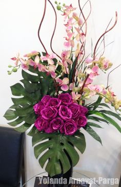 Roses and Pink Orchids Flowers Modern Flower Arrangements simple Rosen Arrangements, Tropical Flower Arrangements, Modern Floral Arrangements, Creative Flower Arrangements, Flower Arrangement Designs, Artificial Floral Arrangements, Funeral Flower Arrangements, Funeral Flowers, Deco Floral