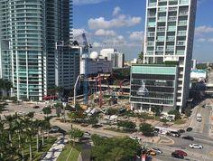 Se empezó a vertir la base de concreto para la construcción de #1000Museum! http://miamiresidencial.com/apartamento-en-miami/miami-downtown/1000-museum/ #ZahaHadid #Miami