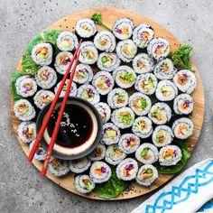 Vegan Sushi Rolls, Food Inspiration, Vegan Recipes, Stuffed Mushrooms, Food Porn, Veggies, Yummy Food, Cooking, Garlic Clove