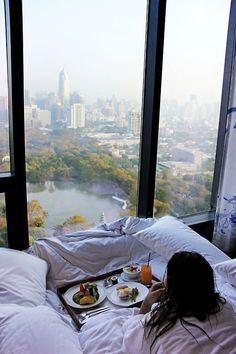 Breakfast in bed…with a view! NYC New York City Travel Honeymoon Backpack Backpacking Vacation Nyc, Dream Life, My Dream, A New York Minute, Relax, Dream Apartment, Apartment Goals, City View Apartment, Chicago Apartment