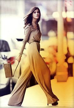 gorgeous! LOVE LOVE LOVE this look. The trousers are amazing.   mostexerent…