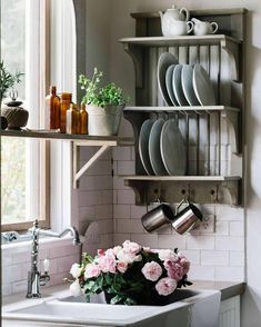 19th-century cottage and flower farm in Trentham, Victoria | Country Style Online Furniture Stores, Online Home Decor Stores, Furniture Shopping, Roses Luxury, Budget Home Decorating, Home Improvement Loans, The Design Files, Flower Farm, Home Decor Bedroom