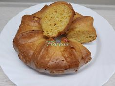 PRAJITURA CU IAURT SI MORCOVI - Flaveur Tasty, Yummy Food, Baked Potato, Potatoes, Bread, Baking, Tudor, Ethnic Recipes, Bread Making