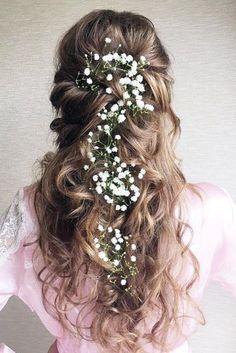 wedding hairstyles for long curly hair curly bridal half updo for hrgdbvs - Hair Styles Wedding Curls, Long Hair Wedding Styles, Elegant Wedding Hair, Wedding Hair Flowers, Flowers In Hair, Small Flowers, Wedding Dresses, Hair Styles Flowers, Floral Wedding
