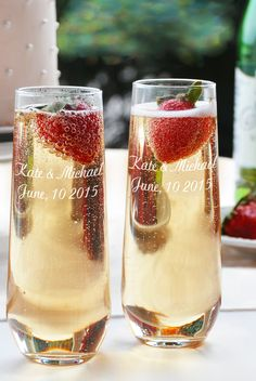 Celebrate every toast at your wedding reception with this contemporary 8.5 ounce stemless glass champagne toasting flutes set custom engraved with the bride and groom's name and wedding date. This attractive flute set is sleek and modern with gorgeously clean lines that will add beauty and elegance to your wedding toast