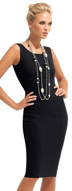 Love this basic black with a pop of jewelry! <3