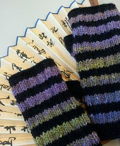 Knitting and so on: Striped Fingerless Gloves - free pattern