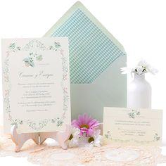 Delicate wedding invitation in mint and coral. Invitación de boda con delicados motivos vintage en mint y coral. www.azulsahara.com