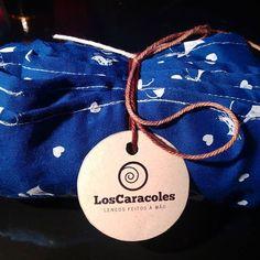 #estampa #cat #gatinho #love #heart #blue #viscose #tecido #loscaracoles #estiloloscaracoles #style #modacuritiba #moda #fashion #gola #scarfs #echarpe #handmade  #lencosfeitosamao #lencos