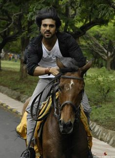 Ram Image, Image Hd, Film Images, Actors Images, Rama Photos, Cb400 Cafe Racer, Telugu Hero, Photos Of Lord Shiva, Love Wallpapers Romantic
