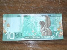 Have you guys seen the new Costa Rican money yet? So colorful and fun, you don't even care that you are spending it!