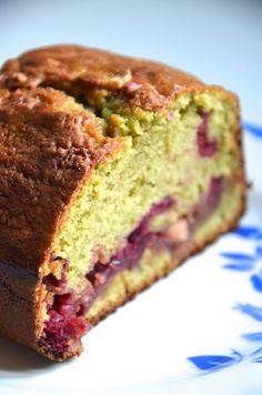 Cake thé matcha & framboises by La Baronne C