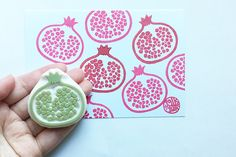 pomegranate hand carved rubber stamp. fruit rubber stamp. SIZE: about 4.5cmX4.5cm (1.77inX1.77in) ABOUT RUBBER STAMPS: • made to order • 10mm thick soft rubber block • block color may vary • backings or handles - optional with extra cost • materials for additional handle/backing