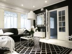 Sisustuksen tunnelmaan voi tuoda helposti muutosta avalaisimilla, jotka samalla myös täydentävät tilan muita huoneklauja sekä muotoja.