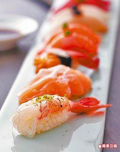 嚴選握壽司9品 688元/單點 吃得到牡丹蝦、鮪魚等,彈嫩帶甜。