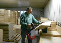 Meet the Makers: Mann Lake Ltd., Beekeeping Equipment Manufacturer #Beekeeping