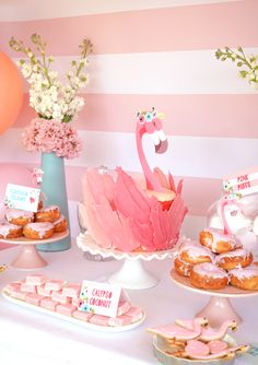 You don't get prettier in pink than this Flamingo Party Table Set up! Grab the full set as an instant download, fully editable. Have fun and flamingle!