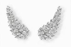 Messika boucles d'oreilles Angel en diamants http://www.vogue.fr/joaillerie/shopping/diaporama/diamants-eternels-boucles-d-oreilles-tapis-rouge-festival-de-cannes/18676/image/999114#!messika-boucles-d-039-oreilles-angel-en-diamants