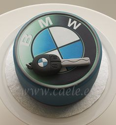 Tarta BMW Bmw Cake, Fondant, Cake Logo, Mum Birthday, Creative Cakes, Cake Art, Amazing Cakes, Cake Decorating, Birthdays