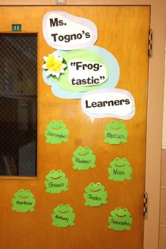 door decor idea with frog theme