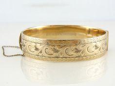 Vintage Armreif, Gold gefüllt, schwenkbar, arbeitet der Verschluss, feine Gravur 85TDOC-N