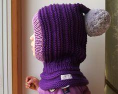 Violeta Merino Pixie pasamontañas bebé / niño / niña con capucha con Pom Pom y detalle de contraste, Purple & gris