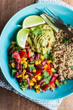 Assiette Complète Mexicaine - Food for Love - Green Salads Veggie Recipes, Salad Recipes, Asian Quinoa Salad, Perfect Grilled Chicken, Healthy Snacks, Healthy Recipes, Avocado Salat, Food Crush, Greens Recipe