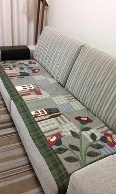 Arteira Glê - Manta para sofá. Pelotas / RS.                                                                                                                                                                                 Mais